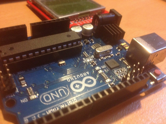 Drive and Build Project with Nokia 5110 LCD using Arduino