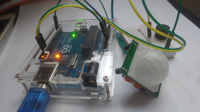 How to Drive PIR Motion sensor With Arduino UNO and Buzzer